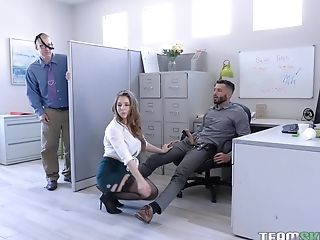 Huge-boobed Blonde Mummy Assistant Lena Paul Crams Her Mouth With Spunk