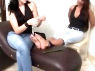 Latina Kittling Feet