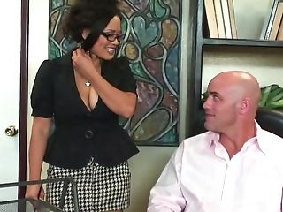 Asian Whore Jessica Bangkok Railing On Shaft On Office Desk