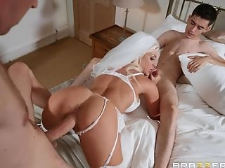 Sienna Day Is Inbetween Her Strong Friends During A Wild Threesome