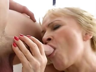 Lovely Granny Gets Fucked In Her Fat Fanny