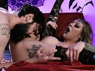 Karma Rx Releases Her Internal Hook-up Vixen During Riveting Orgy