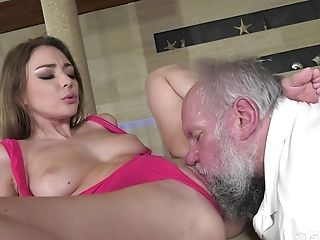 Sexy Man-meat Rider With Delicious Arse Emerald Ocean Is Fond Of Voluptuous Rear End