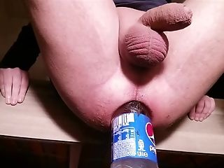 Spreading My Asshole With A 1.5l Pepsi Bottle