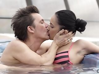 Old4k. Shagging A Hot Youthfull Chick In Jacuzzi