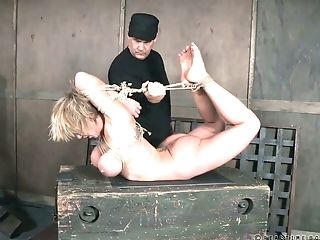 Matures Huge-chested Bitch Dee Williams Gets Disciplined In The Basement