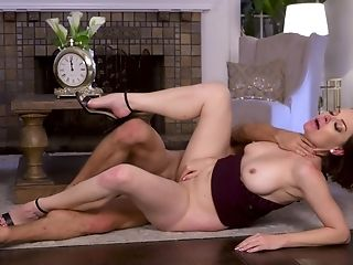 Horny Cougar Sovereign Syre Relishes Every Inch Of A Hard Dick