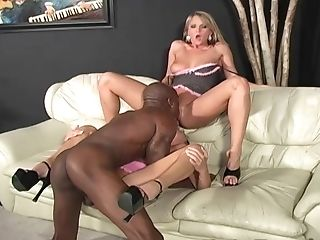 Deep Buttfuck Fucking During Threesome With Sophia Gently & Spring Thomas