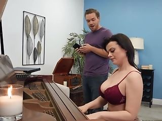 Piano Lecturer Nadia Milky Gets Fucked By Lucky Student