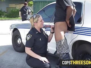 Criminal Is Busted Banging The Neighbors Wifey By Horny Mummy Cops
