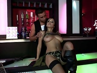 Lucky Gets In Company Of Dynamic Dude Who Never Spare Her Fuck Holes