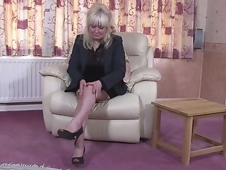 Matures Big-titted Blonde Bbw Cindy S. Plays With A Fake Penis In Her Twat