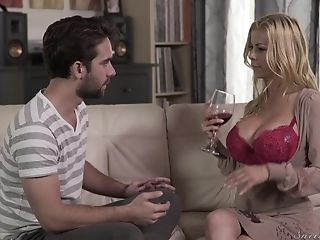 Stunning Alexis Fawx Gets Her Moist Slit Plowed By A Lengthy Pecker
