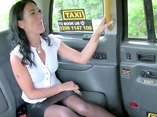 Mummy With Smashing Culo, Insane Back Seat Romp
