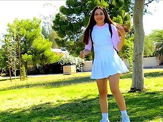 Public Fuckbox Flashing With A Cutie In A Tennis Miniskirt