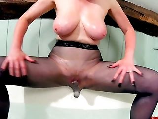 Crimson Xxx Playing With Her Coochie While In Pantyhose