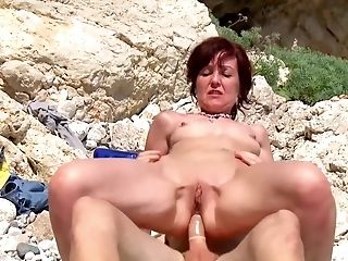 Horny Sexual Escapade For The Naked Matures While On Holiday