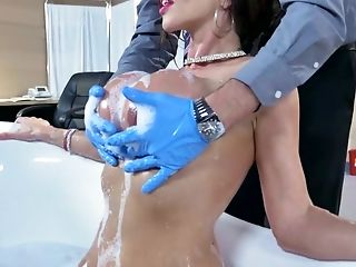 Huge-boobed Ariella Ferrera Fellates Doc' S Jewels Before Getting Them Inwards