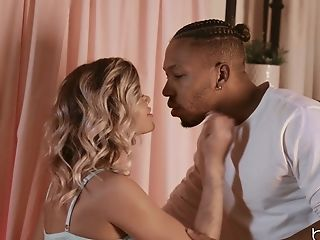 Interracial Fucking On The Couch With A Black Stud And Jessa Rhodes