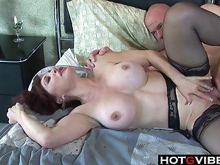 Cougar So Hot Id Slurp Her Feet Too