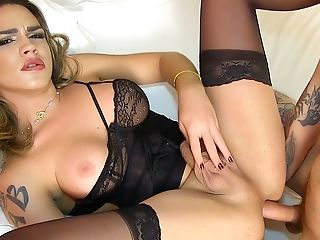 Hot Tgirl Amanda Fialho Has Her Dick Sucked And Gets Reamed