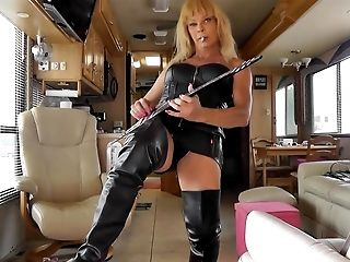 Air Guitar In Fixation Leather