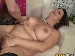 Curvy Matures Leylani Wood Has Her Experienced Coochie Slurped And Dicked