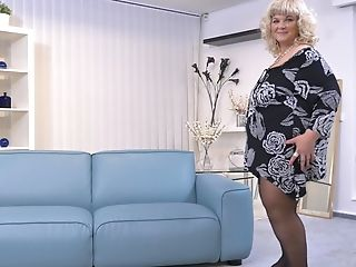 Buxom Blonde Bbw Matures Cougar Renatte Bj's A Hefty Faux Rod